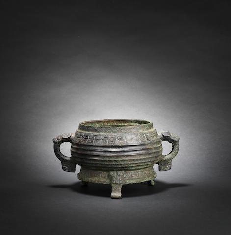 An archaic bronze ritual food vessel, gui Western Zhou dynasty