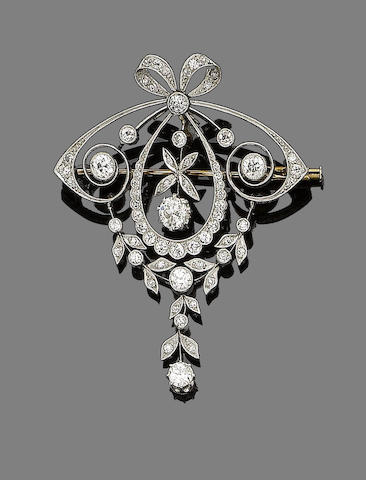 A belle époque diamond brooch/pendant,