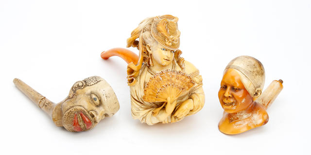 A late 19th century carved Meerschaum pipe