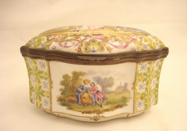 A Dresden porcelain casket Circa 1900