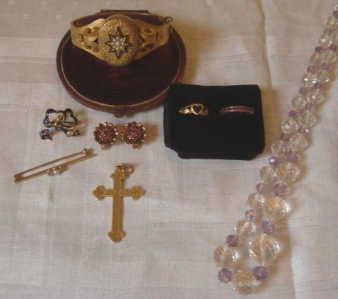 A collection of jewels (7)