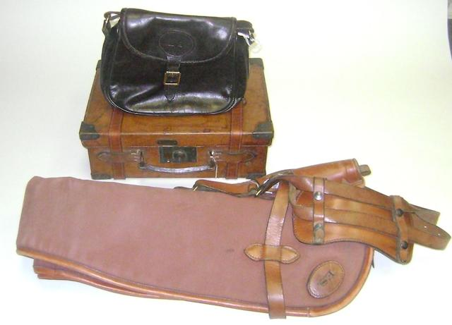 A pair of William Evans leather single-gunslips (4)