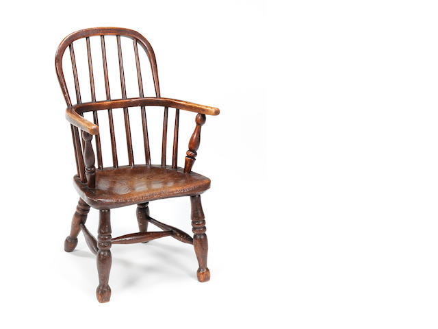 A Victorian ash child's windsor chair