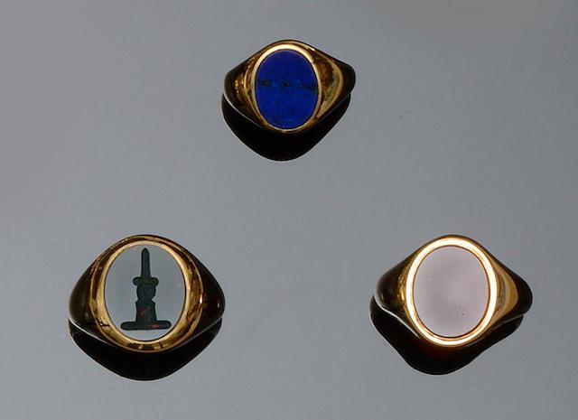 Three modern 18ct gold hardstone signet rings (3)