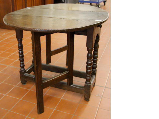 17th Century and later oak drop-leaf gateleg table