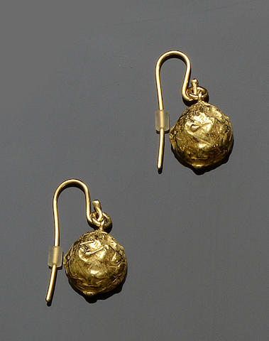 Grima: A pair of 18ct gold earpendants