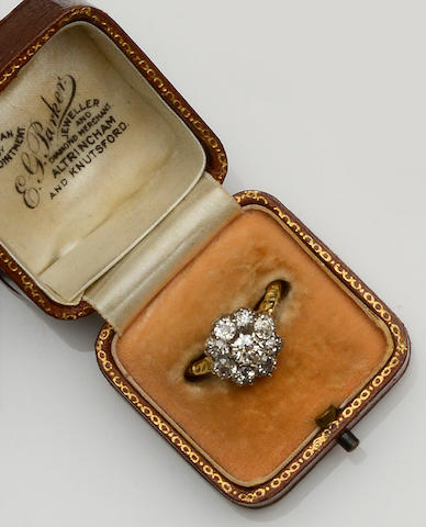 An early 20th century diamond cluster ring