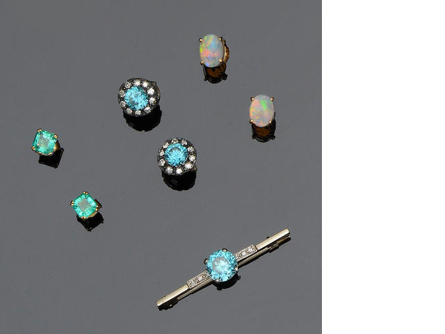 Three pairs of earstuds and a diamond and blue zircon bar brooch (4)