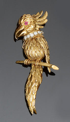 A gem set bird brooch