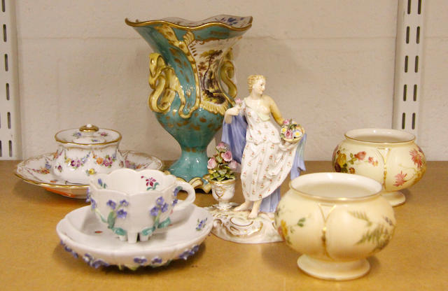 A group of collectible glass and porcelain, c. 1880-1910,