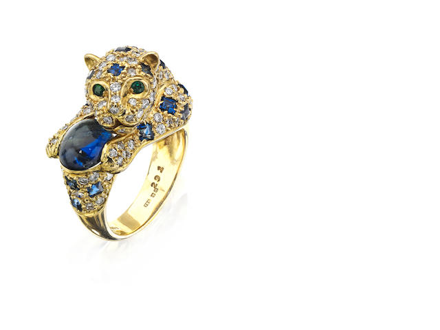 A gem-set leopard design ring