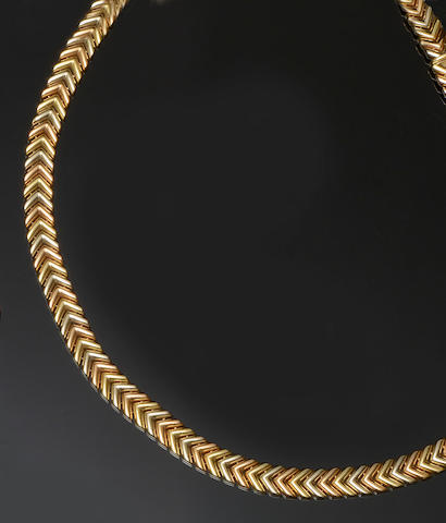 An 18ct three colour gold necklace