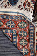 A modern Persian rug, 284 x 192cm