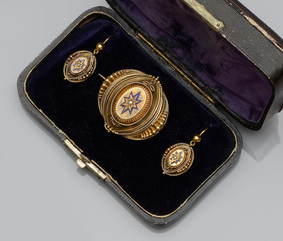 Two Victorian jewellery suites (2)