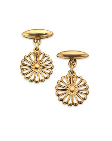 Of Imperial Japanese Interest: A pair of presentation chrysanthemum cufflinks, 1920s