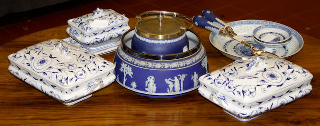 A Wedgwood Jasperware biscuit barrel early 20th Century