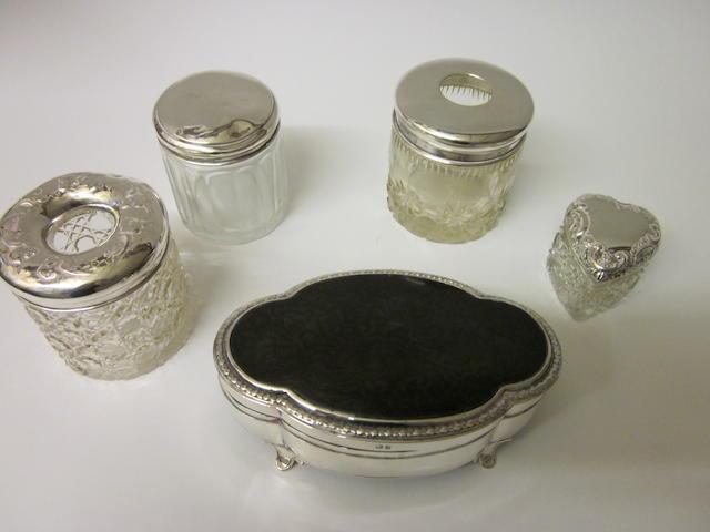 An oval silver jewel box,  Birmingham 1919,   (5)