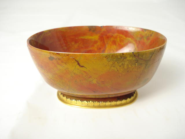 A gold-mounted hardstone bowl 18th/19th century