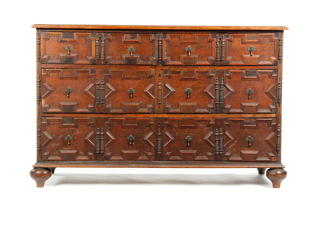 Late 17th Century oak chest of drawers