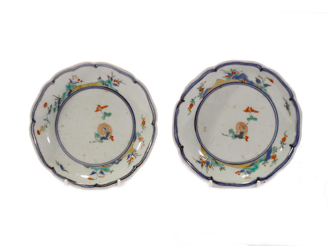 Two Japanese Kakiemon dishes, 18th century