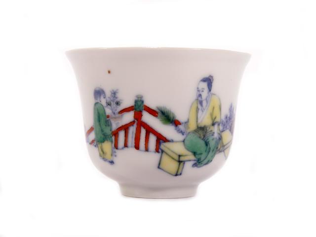 A doucai cup, Yongzheng six-character mark
