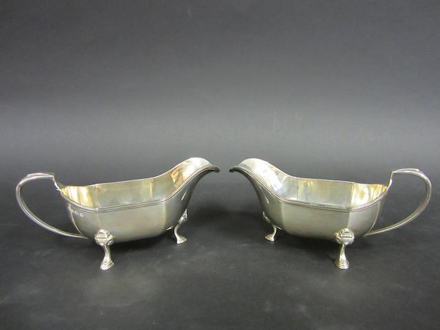 A pair of modern silver sauce boats  Birmingham 1934  (2)