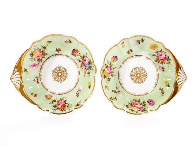 A pair of Swansea shell-shaped dessert dishes, circa 1815-17