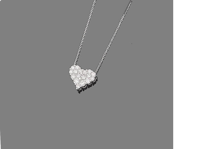 A diamond heart pendant necklace