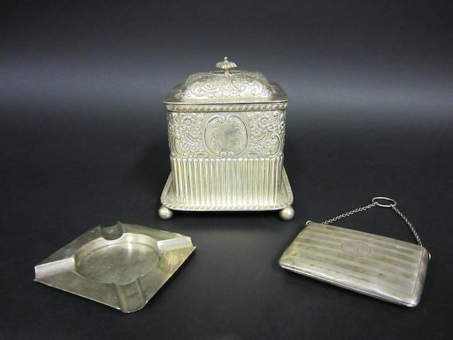 An Edwardian silver biscuit box London 1901  (3)