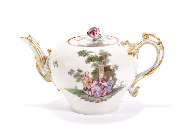 A Chelsea teapot and cover, circa 1760-65
