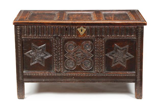 An unuusal oak coffer Circa 1600-20