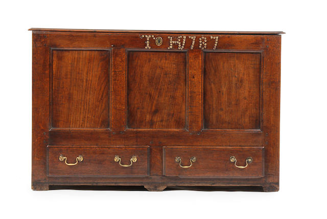 An 18th century oak mule chest