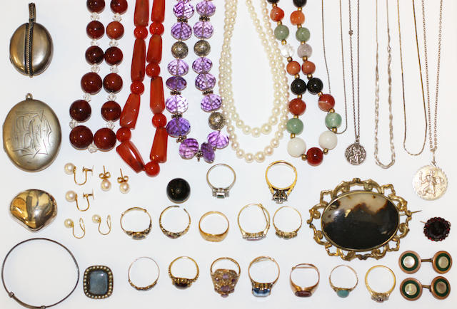 A collection of assorted jewellery contained in a jewellery box,