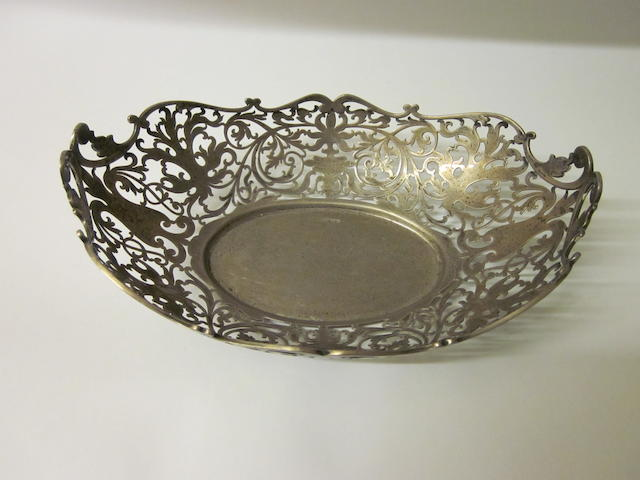 A silver pierced bowl by James Deakin and Sons, Sheffield 1928,