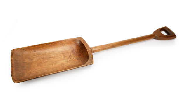 A sycamore malt or grain shovel