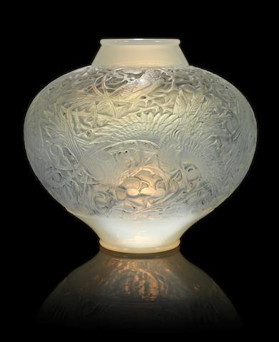 René Lalique (1860-1945) 'Aras'
