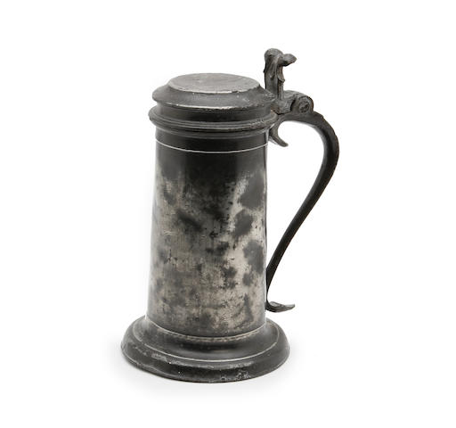 A 17th century Beefeater pewter flagon Circa 1670