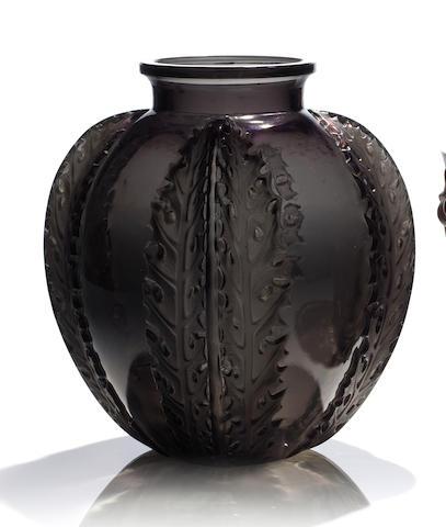 René Lalique 'Chardons' a Vase, design 1922