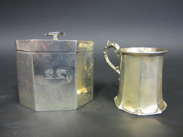 An Edwardian silver tea caddy by Goldsmiths & Silversmiths Co. Ltd., London 1901
