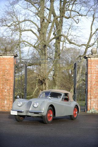 Propriété de la famille Brown depuis 1954,1953 Jaguar XK120 cabriolet  Chassis no. S677020 Engine no. W7566-8S