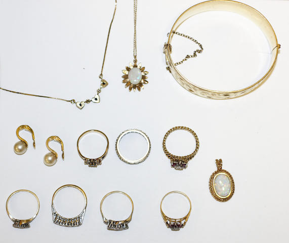 A collection of jewellery, (12)
