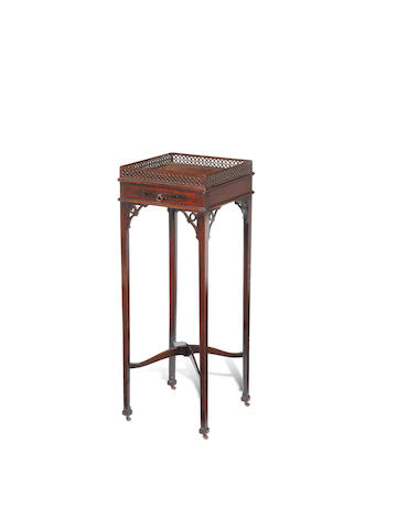 A George III mahogany urn stand