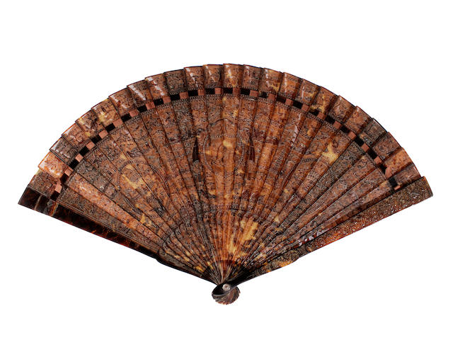 A Chinese tortoiseshell brisé fan, 19th century