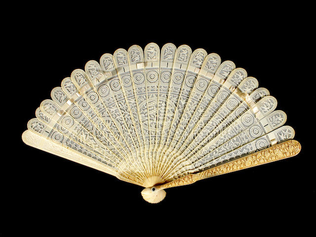A Chinese ivory brisé fan, 19th century