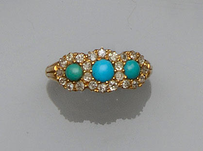 A turquoise and diamond triple cluster ring