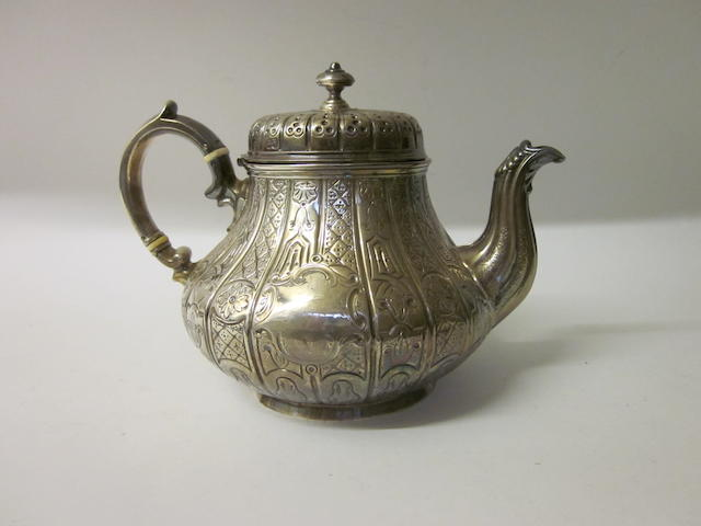 A Victorian silver tea pot, London 1846,