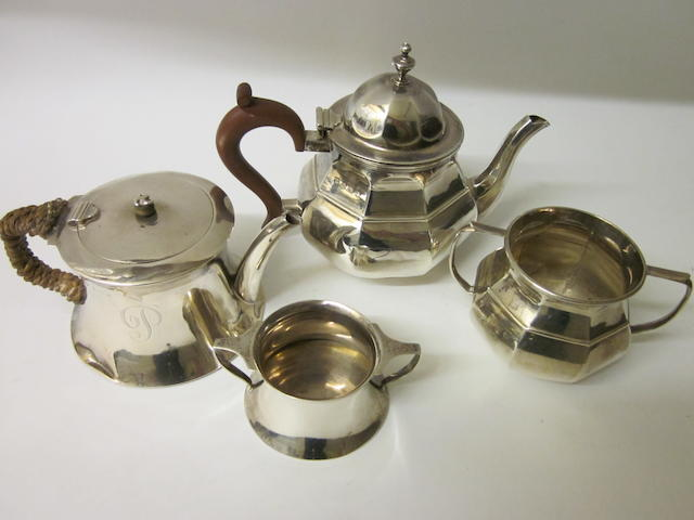 A silver matching teapot and sugar bowl, Chester 1924, Birmingham 1923,   (4)