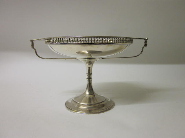 A silver tazza,  by Martin Hall and Co., Sheffield 1914,