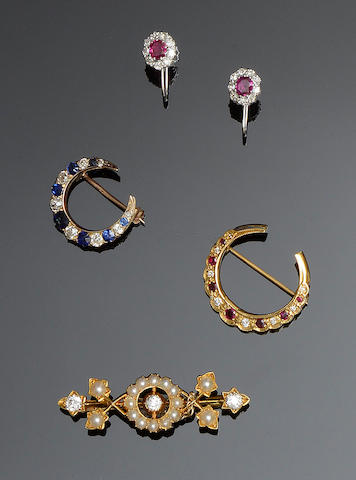 A collection of vari gem-set jewellery (5)