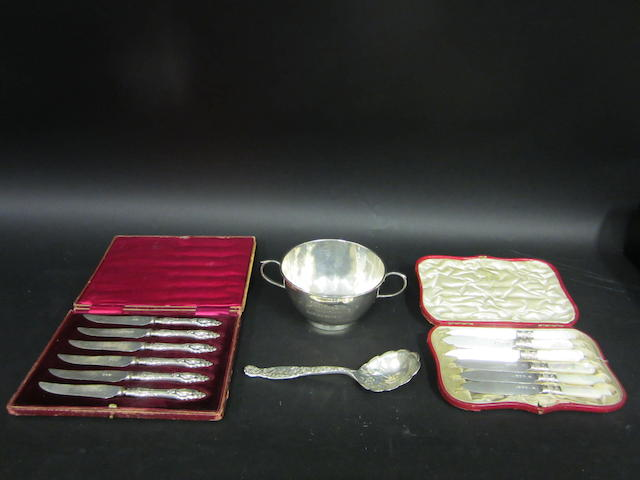 A Victorian silver fruit knife set Sheffield 1904